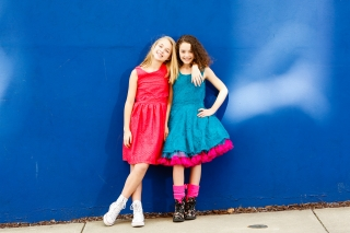 One of the top U.S. tween photographers captures two teens in a downtown shoot in Georgia. She captures the BFF relationship with two young, spunky, beautiful girls.